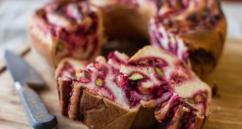 Ψωμί με παντζάρι και φέτα