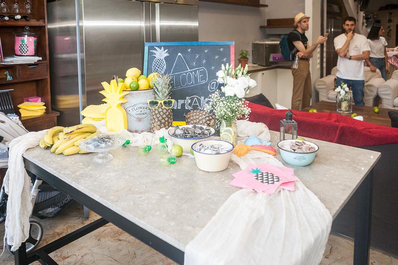 welcome τραπέζι υποδοχής στο πάρτυ του Άκγ