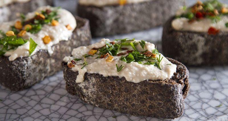 Τυρί από κάσιους από τον Άκη Πετρετζίκη
