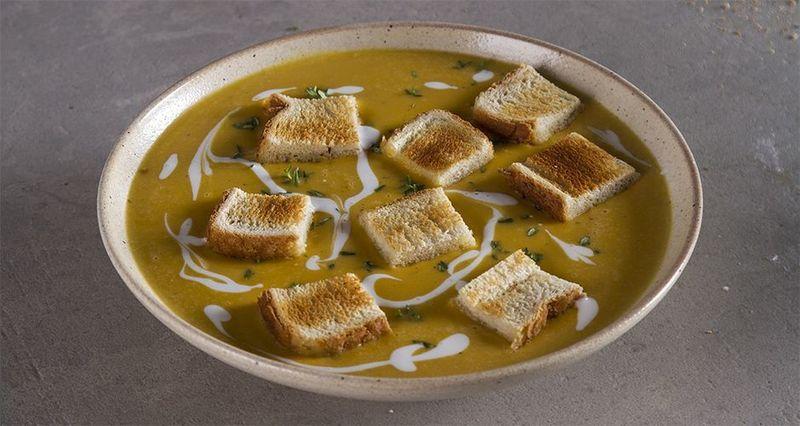 Βελουτέ γλυκοπατάτας με γάλα κολοκύθας από τον Άκη Πετρετζίκη