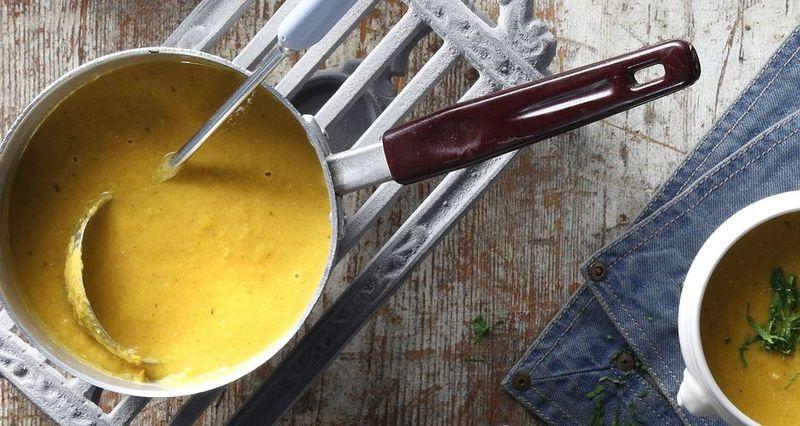 Σούπα με καρότο και λεμόνι από τον Άκη Πετρετζίκη