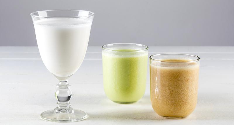 Γάλα καρύδας με αβοκάντο και σκόνη κανέλας
