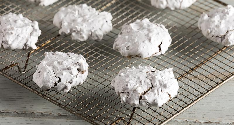 Εύκολα και γρήγορα μπισκότα από τον Άκη Πετρετζίκη