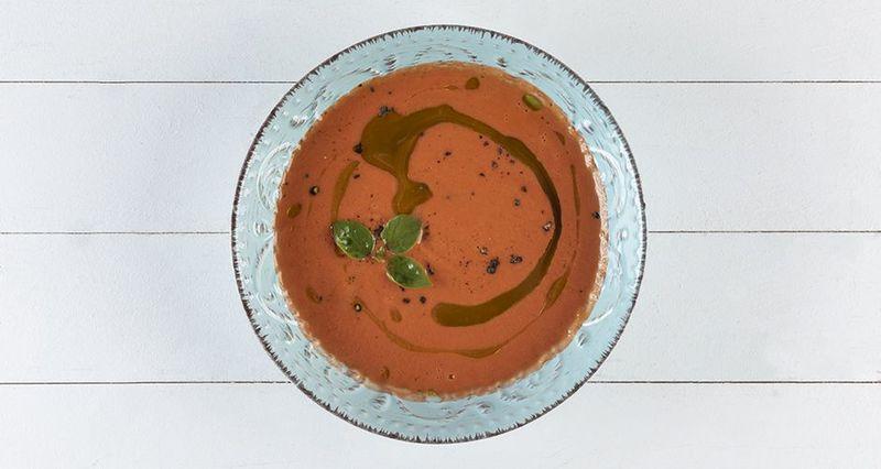 Σούπα γκασπάτσο από τον Άκη Πετρετζίκη