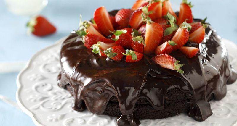 Τούρτα σοκολάτας με γκανάς σοκολάτας από τον Άκη Πετρετζίκη