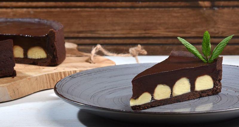 Τάρτα διπλής σοκολάτας από τον Άκη Πετρετζίκη