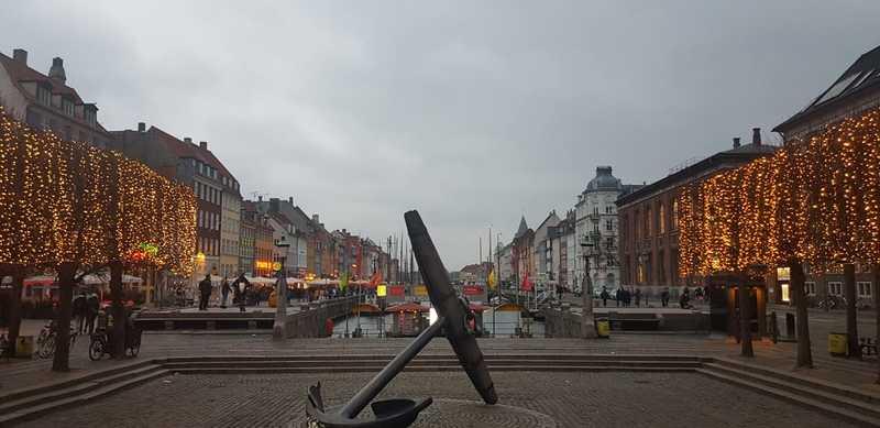 Ο Άκης Πετρετζίκης στη Δανία.