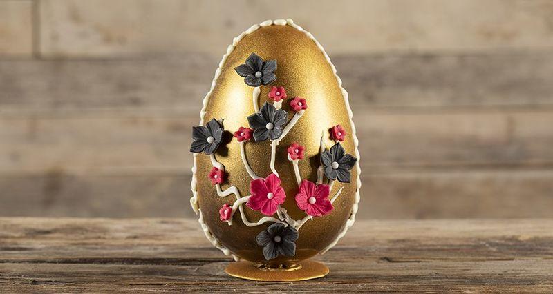 Σοκολατένιο πασχαλινό αυγό από τον Άκη Πετρετζίκη