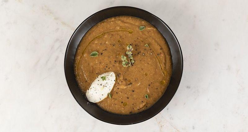 Σούπα μελιτζάνα από τον Άκη Πετρετζίκη