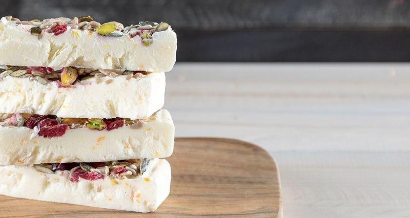 Μπάρες frozen yogurt από τον 'Ακη Πετρετζίκη