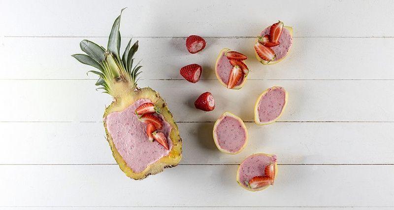 Frozen yogurt σε φρούτα από τον Άκη Πετρετζίκη