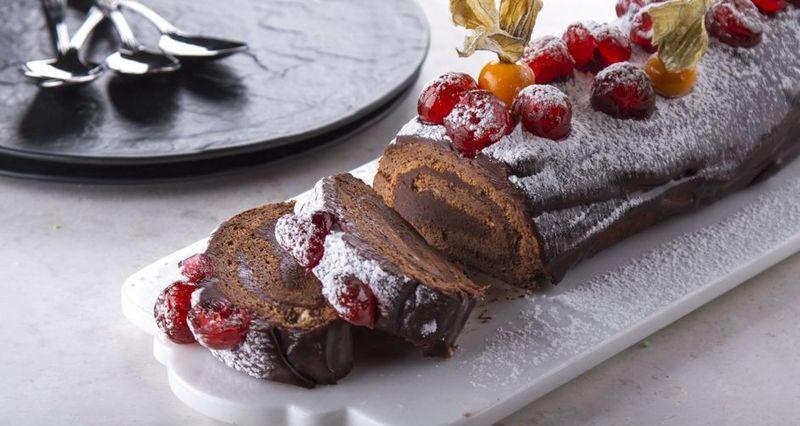 Χριστουγεννιάτικος κορμός με σοκολάτα από τον Άκη Πετρετζίκη