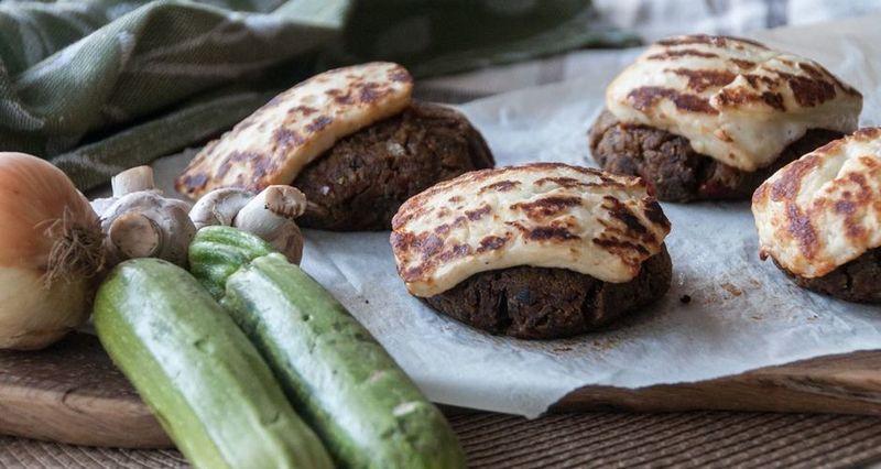 Μπιφτέκι λαχανικών από τον Άκη Πετρετζίκη