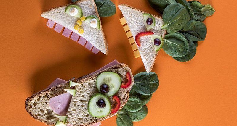 Τρομακτικά σάντουιτς από τον Άκη Πετρετζίκη