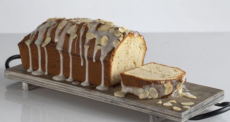 Κέικ μπαχαρικών από τον Άκη Πετρετζίκη