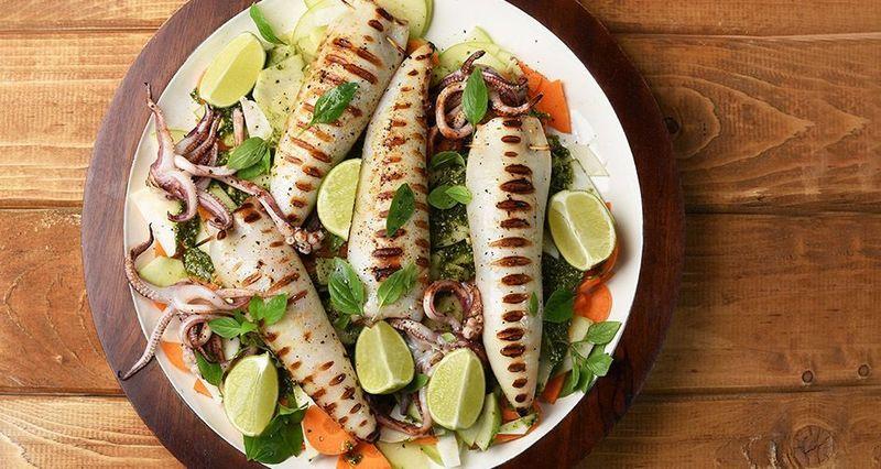 Stuffed calamari by the Greek chef Akis Petretzikis