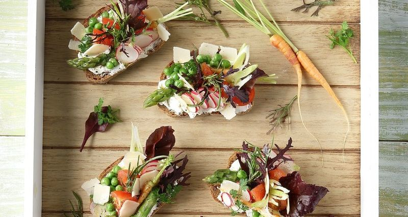Bruschetta with vegetables and cream cheese by the Greek chef Akis Petretzikis