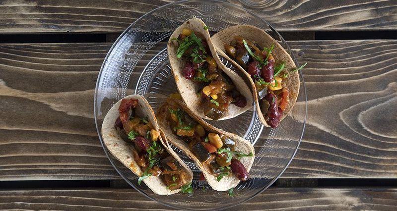 Vegan eggplant and chili tacos by the Greek chef Akis Petretzikis