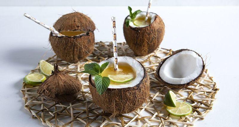Fruit punch καρύδα από τον Άκη Πετρετζίκη