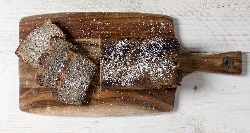 Banana bread with coconut flour by the Greek chef Akis Petretzikis