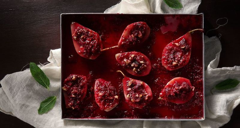 Roast pears with cranberries and walnuts in a honey-wine sauce by the Greek chef Akis Petretzikis