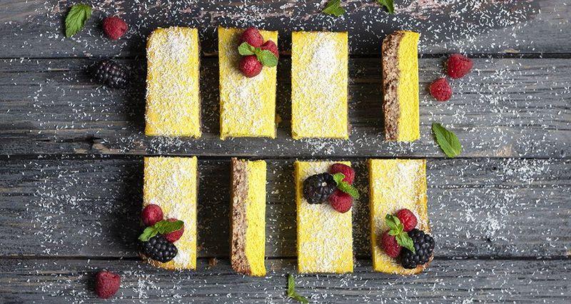 Vegan lemon bars by the Greek chef Akis Petretzikis