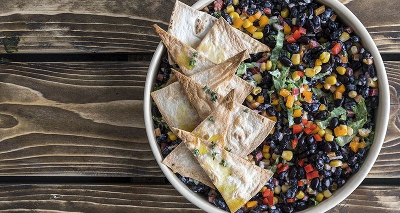 Healthy Mexican salad by the Greek chef Akis Petretzikis
