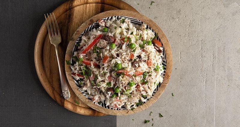 Ρυζοσαλάτα με λαχανικά και τόνο από τον Άκη Πετρετζίκη