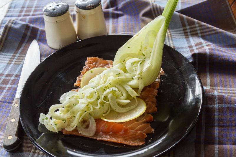 Σολομός Gravlax με σαλάτα φινόκιο