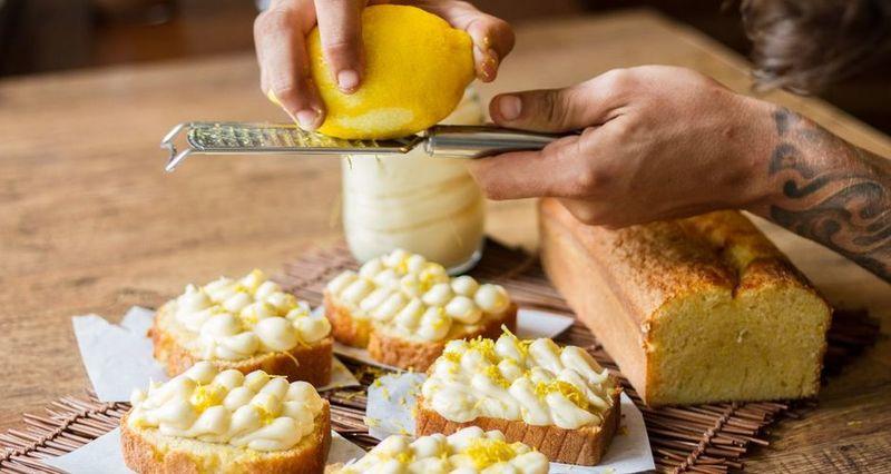 Κέικ λεμονιού με κρέμα λεμονιού