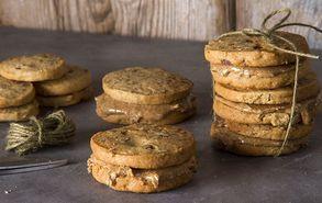 Recipe thumb akis petretzikis cookies me vouturo amigdalou site