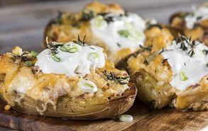 Recipe thumb akis petretzikis gemistes patates me tiria site  1