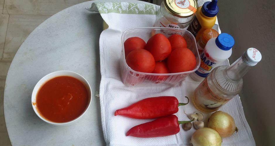 Πικάντικη Σάλτσα Ντομάτας και Κόκκινης Πιπεριάς