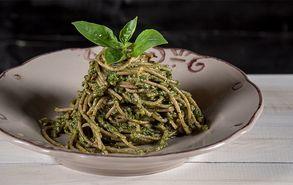 Recipe thumb akis petretzikis spaghetti me pesto melissa site