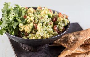 Recipe thumb akis petretzikis guacamole site