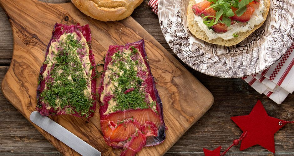 Salmon gravadlax with beetroots