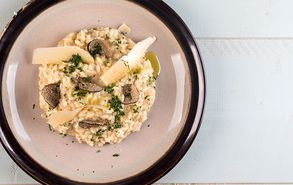 Recipe thumb akis petretzikis risotto troufa