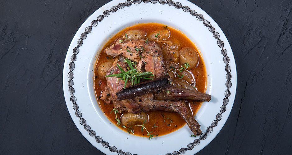 Greek rabbit stew - Stifado