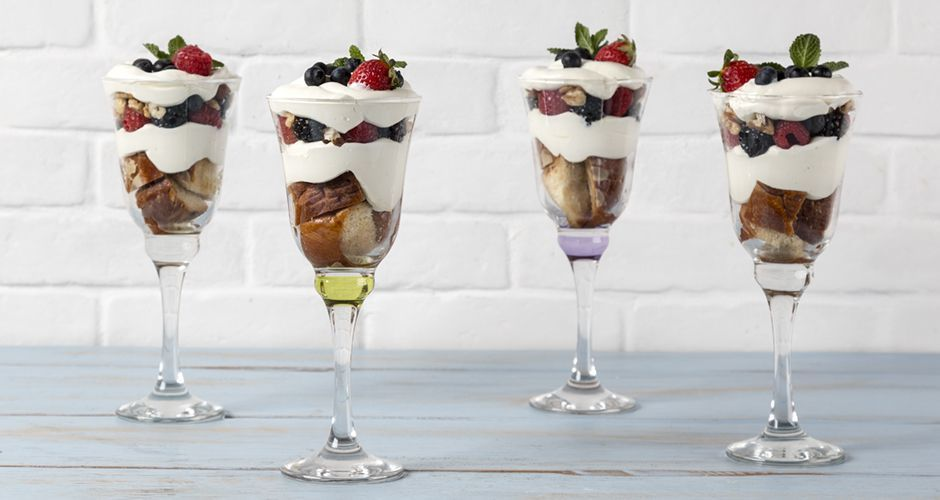 Trifle with yogurt mousse