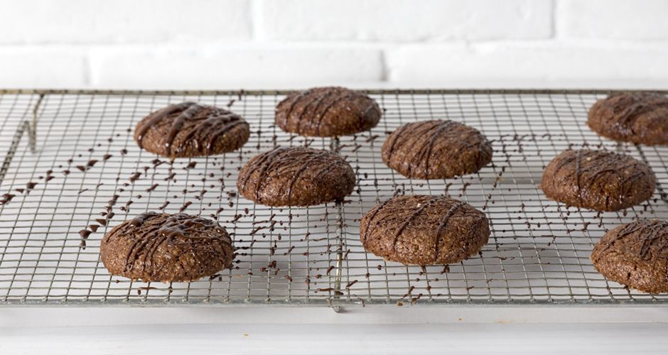 Μπισκότα αμυγδάλου με ελαιόλαδο και σοκολάτα