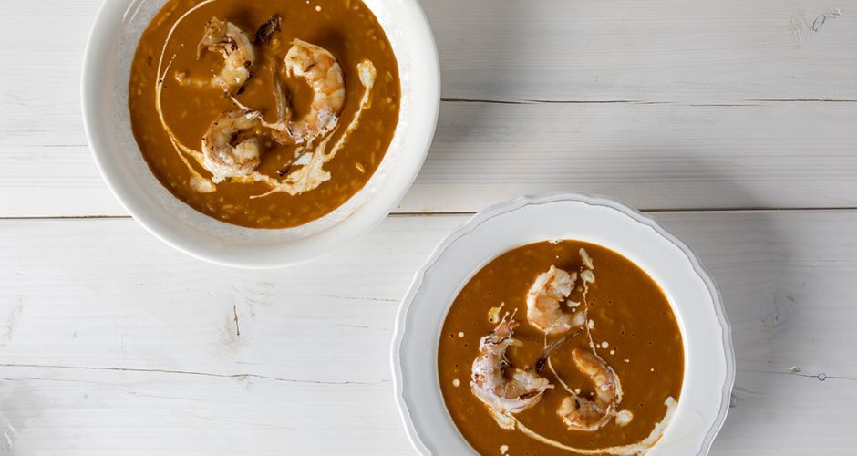 Bisque soup with shrimp and finocchio