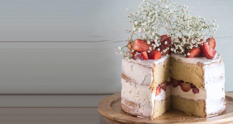 Strawberry and mascarpone cake