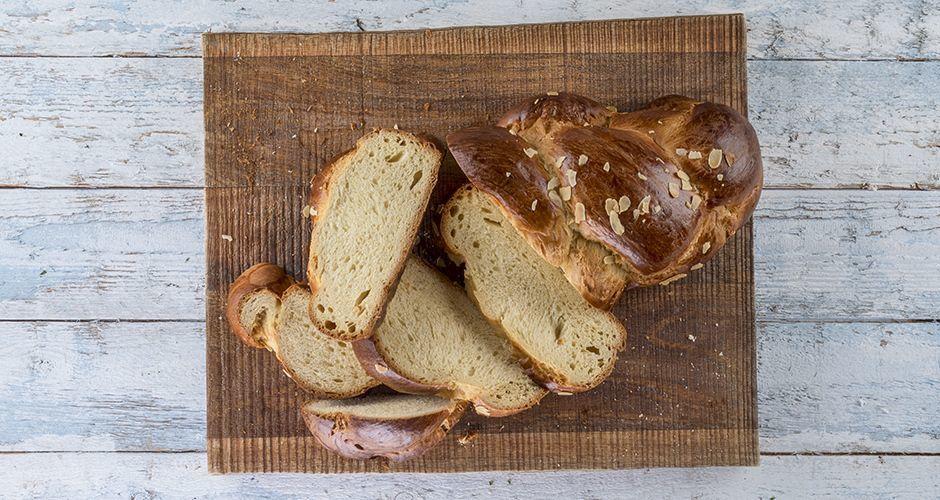 Greek sweet bread – Tsoureki