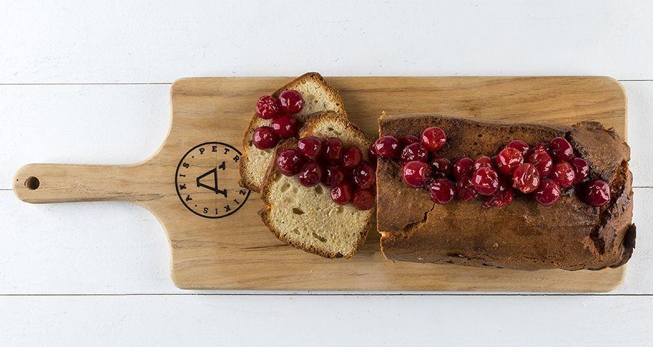 Vanilla cake with sweet cherries