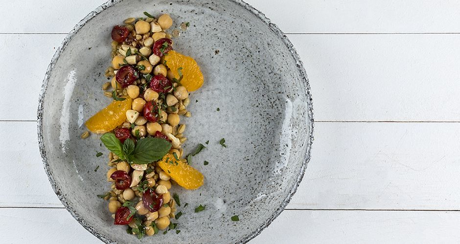 Cherry chickpea salad