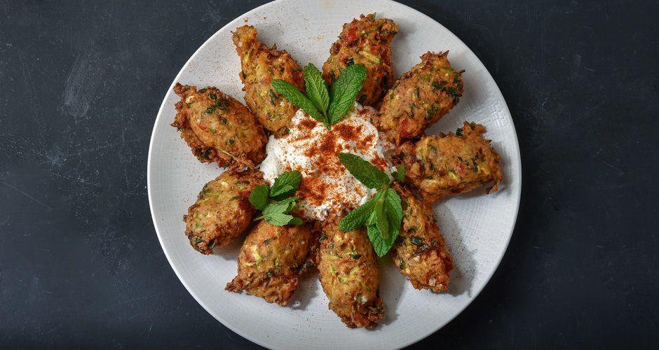 Greek tomato fritters – Tomatokeftedes