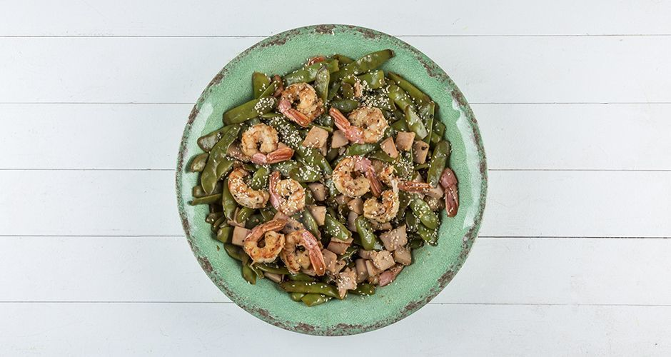 Warm salad with prawns and green beans