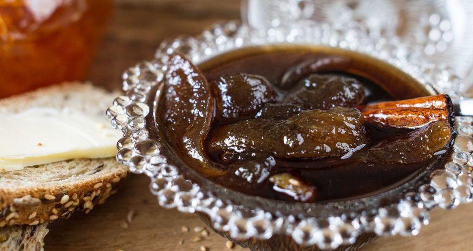Γλυκό του κουταλιού αχλάδι με μπαχαρικά