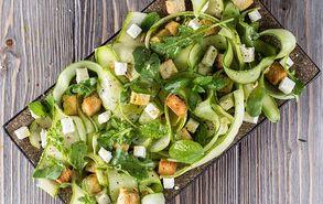 Recipe thumb kalokairini salata me aggouria kai kolokithakia site