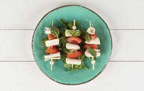 Recipe thumb soublakia motsarela tomata basilikos site  1